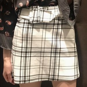 White plaid a line mini skirt with belt